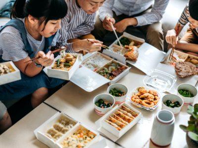 Family-eating3